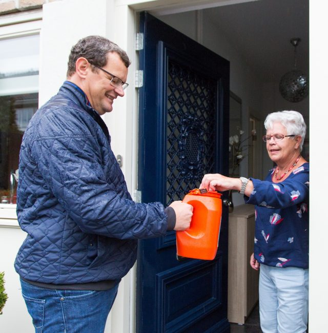 Collecteren voor de Leprastichting